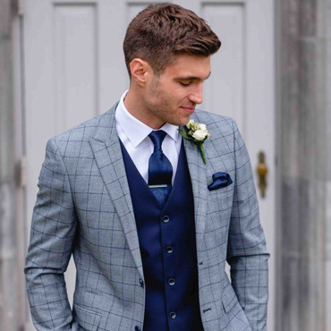What kind of suit you wear depends heavily on the event itself.